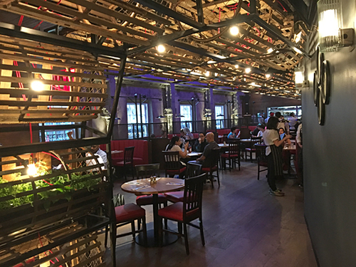 Burger & Lobster opens in Times Square, NYC