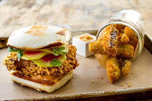 Hey Hey Canteen, Hong Kong Fried Chicken Sandwich, Gotham Market at The Ashland, Brooklyn, NYC