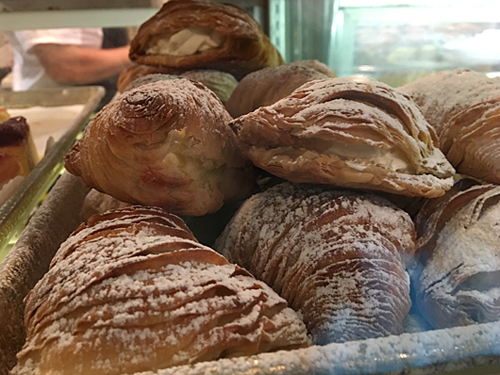 La Bella Ferrara Bakery, Little Italy, NYC