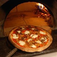 Pizza Mezzaluna